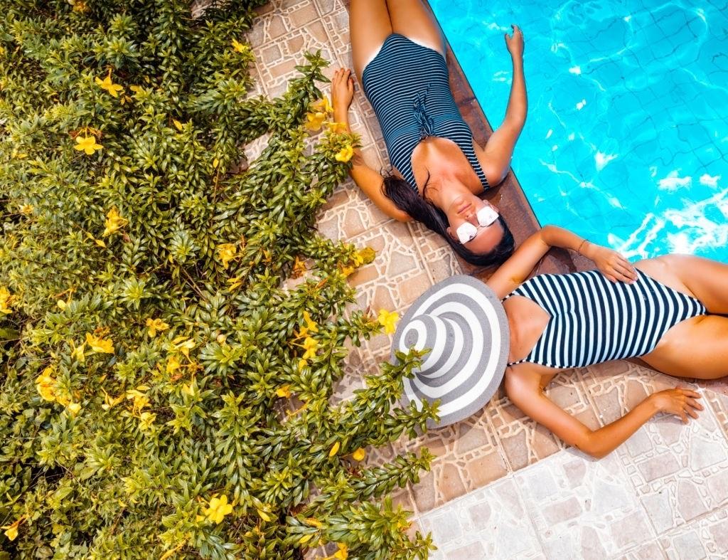 10-Best-Swimsuit-to-Hide-Tummy