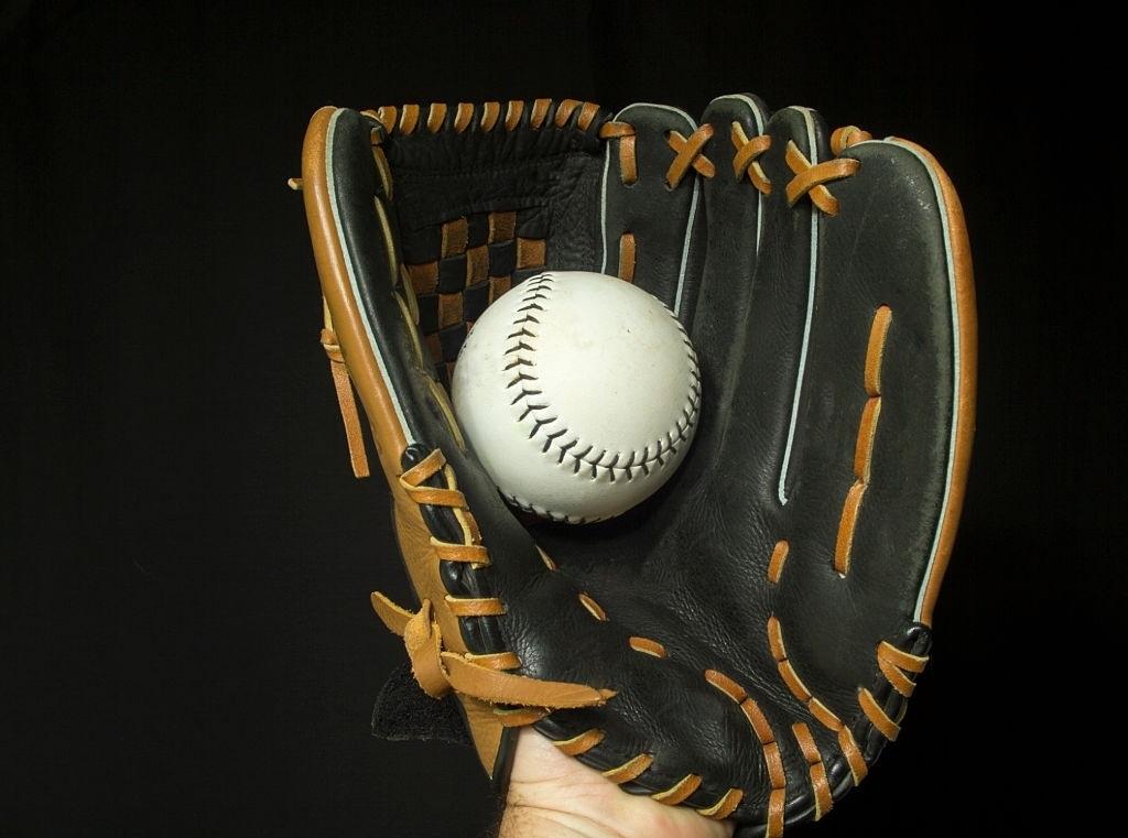 Slow-Pitch-Softball-Gloves