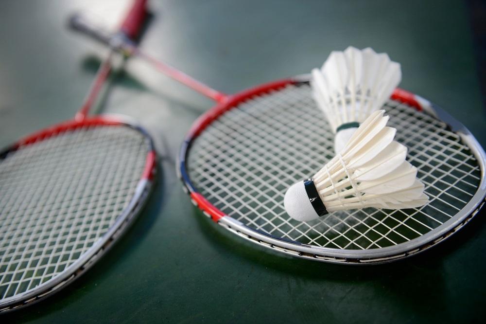13 Best Badminton Racket Reviews
