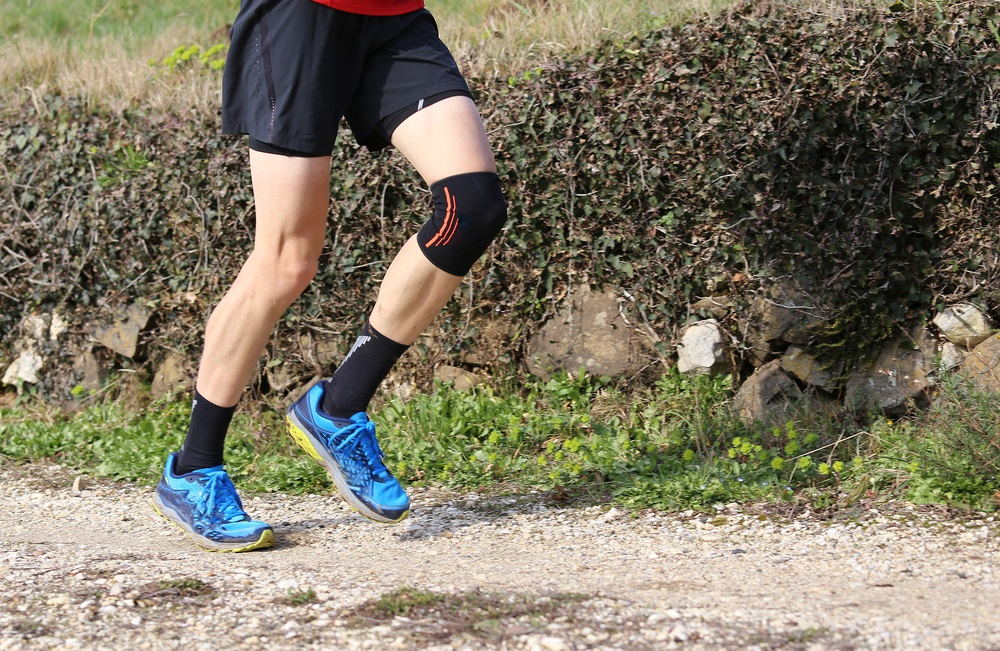 10 Best Knee Braces for Hiking Reviews